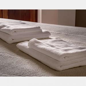 Toalla blanca ducha 100% algodón, 500gr/m2 (Lisa)