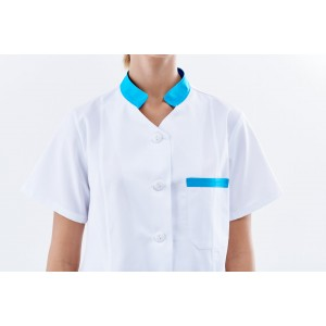 Blusa blanca con detalles en turquesa